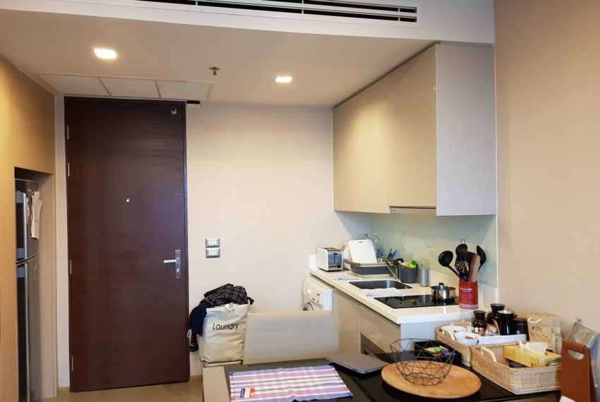 The Address Asoke 1 bedroom high floor for sale - builtin kitchen