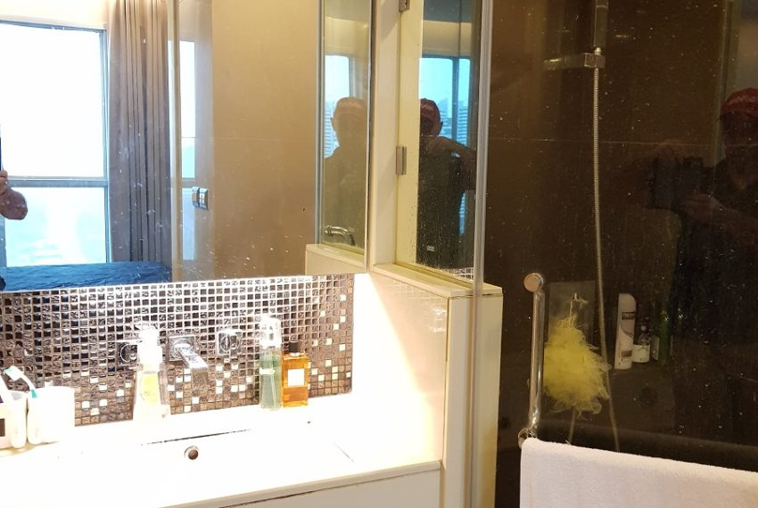 The Address Asoke 1 bedroom high floor for sale - toilet