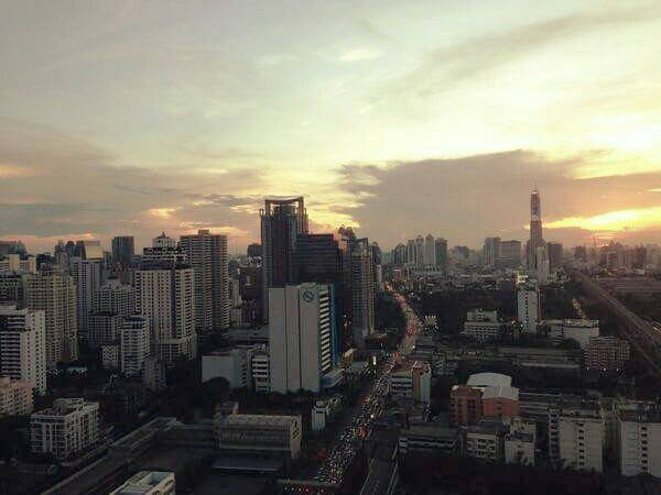 The Address Asoke-1-bedroom-top-floor-sale-night-view