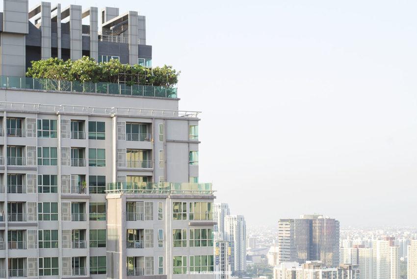 The-Address-Asoke-condominium-roof-garden