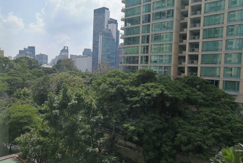 The Address Chidlom - condominium