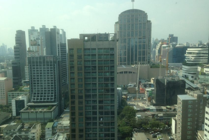 The Address Sukhumvit 28 - 2-bed 2-bath high floor - balcony view