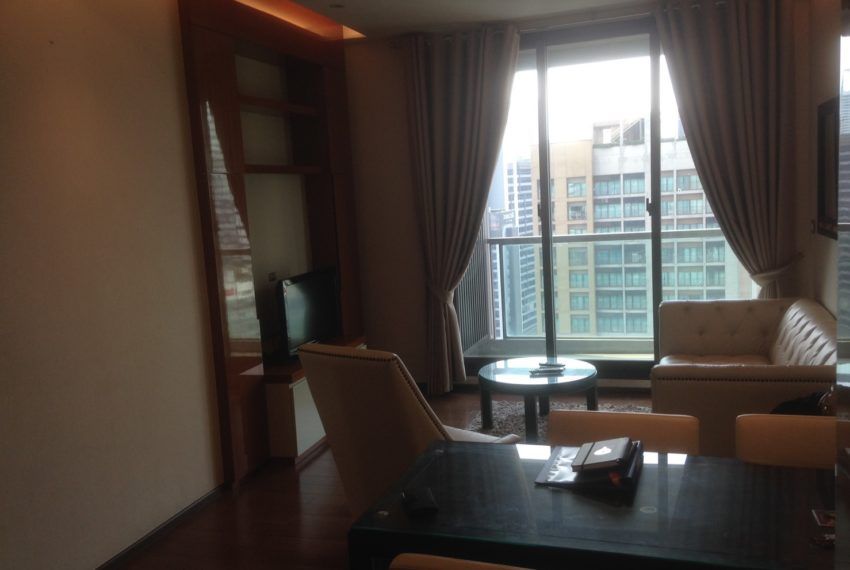 The Address Sukhumvit 28 - 2-bed 2-bath high floor - living area