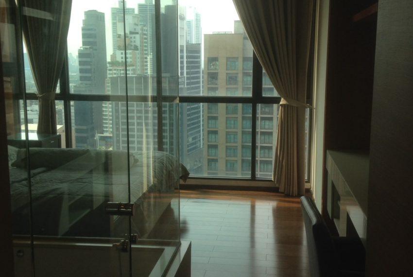 The Address Sukhumvit 28 - 2-bed 2-bath high floor - master bedroom