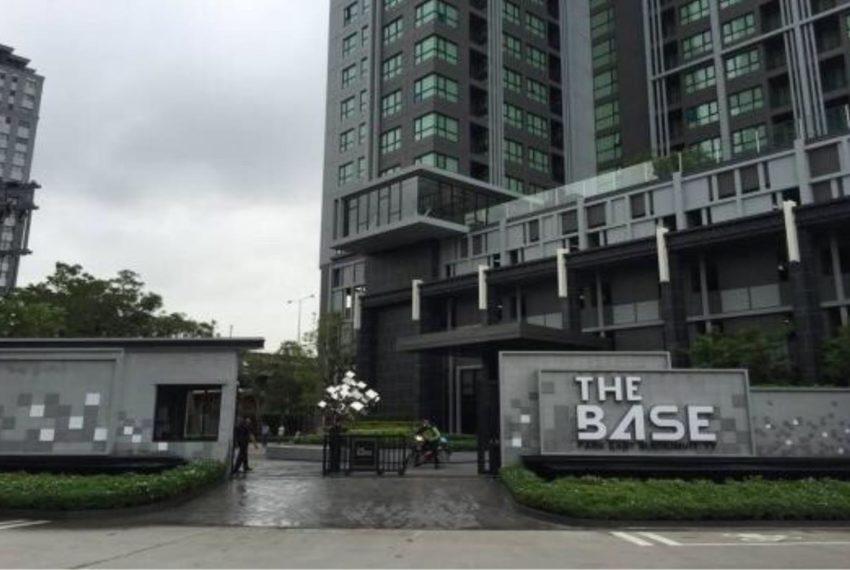 The Base Park East Sukhumvit 77 - entrance