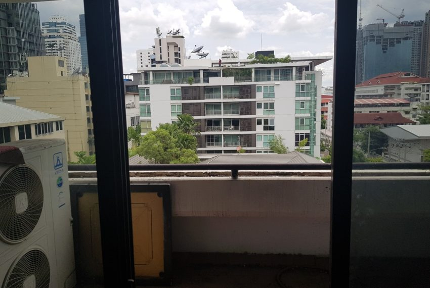 The Concord Sukhumvit 15 - 3-bedroom - sale - balcony