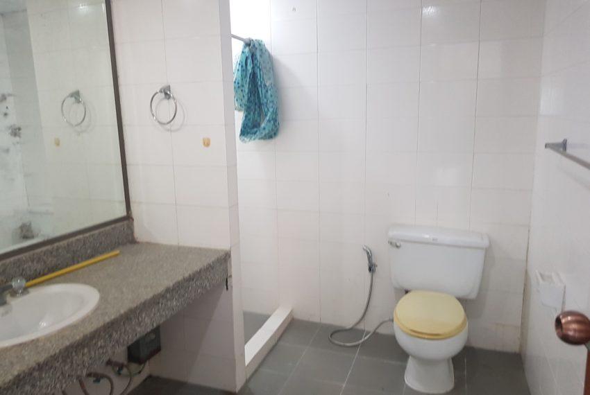 The Concord Sukhumvit 15 - 3-bedroom - sale - bathroom 2