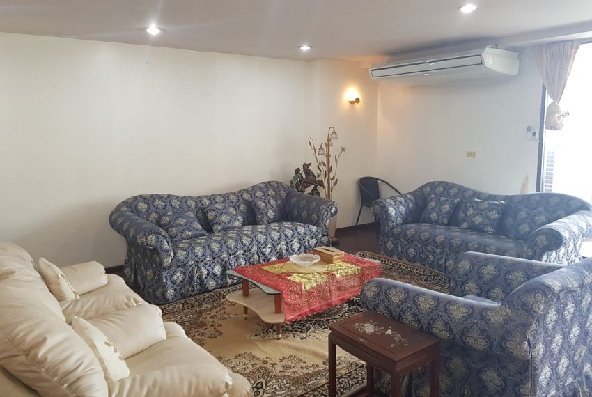 The Concord Sukhumvit 15 - 3-bedroom - sale - living room