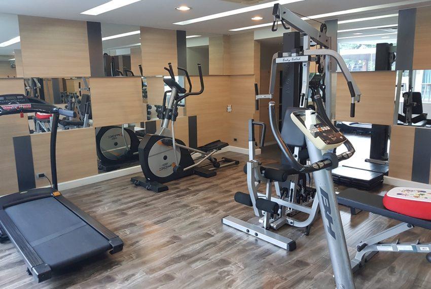The Crest Sukhumvit 24 condo - gym