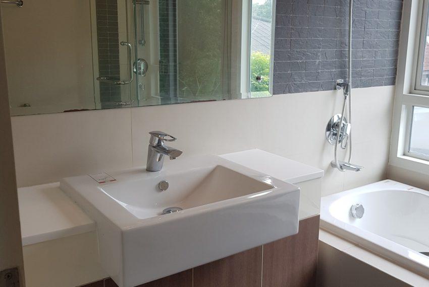 The Crest Sukhumvit 49 - 1-bedroom low floor - bathroom