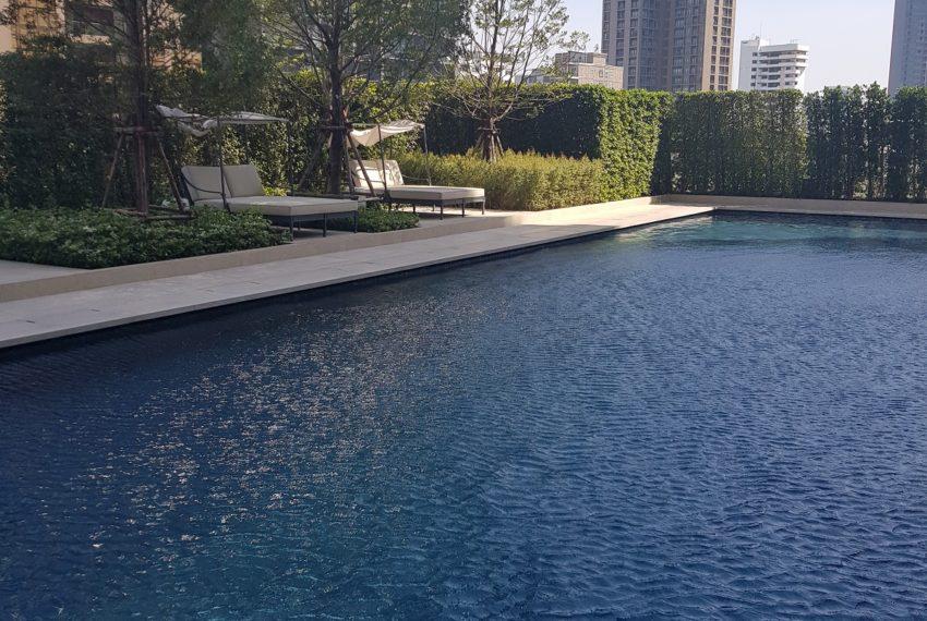 The Diplomat 39 - swimming pool