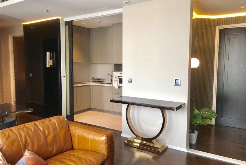 The Diplomat39-2 bed 2 bath Living Room-3