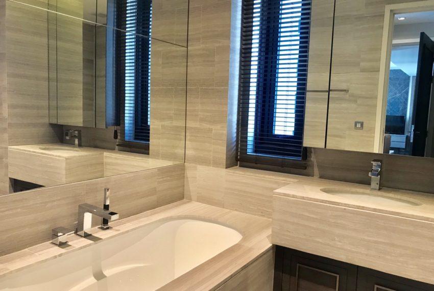 The Diplomat39-2 bed 2 bath -bethroom-2