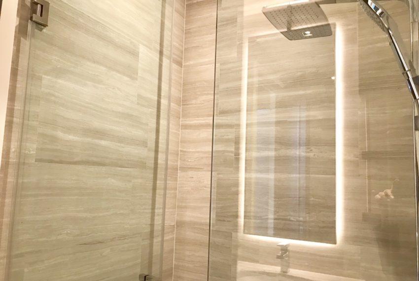 The Diplomat39-2 bed 2 bath -bethroom