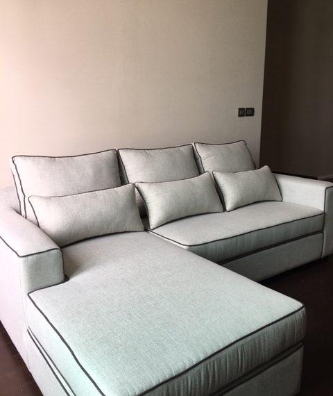 The Dipolmat 39 - 2b2b - For rent _Living Room1