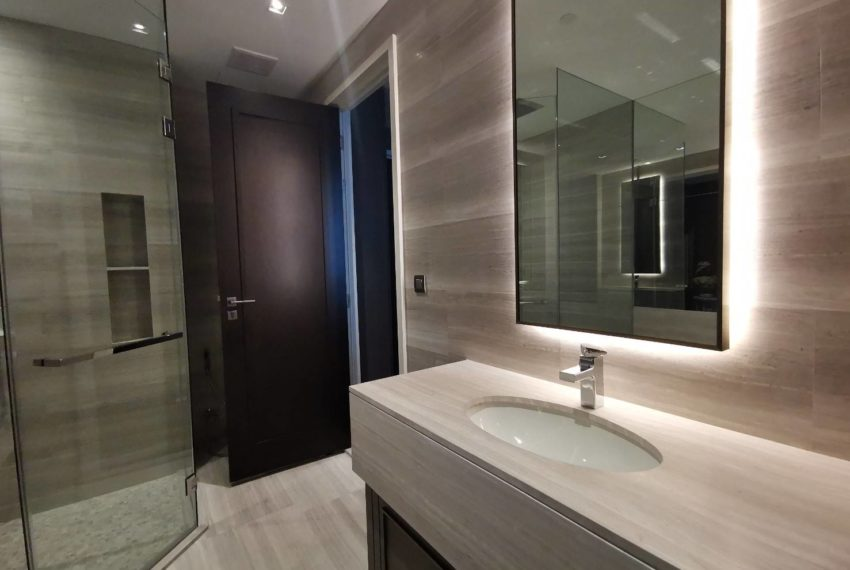 The Dipolmat 39 - For Rent - 1 bed 1 bath - Bathroom