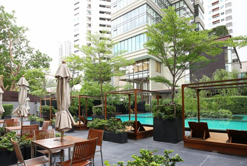 The Emporio Place at Sukhumvit 24 - restaurant on site