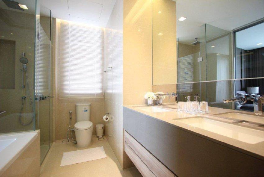 The Esse 2b2b Bathroom_1