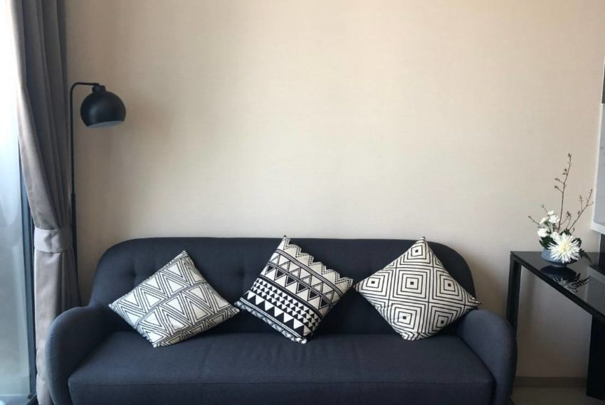 The Esse Asoke - 1 bed 1 bath _For Rent _Living Room 2