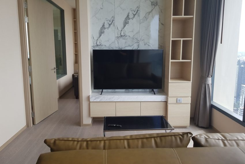 The Esse Asoke - High floor - rent or sale - flat TV