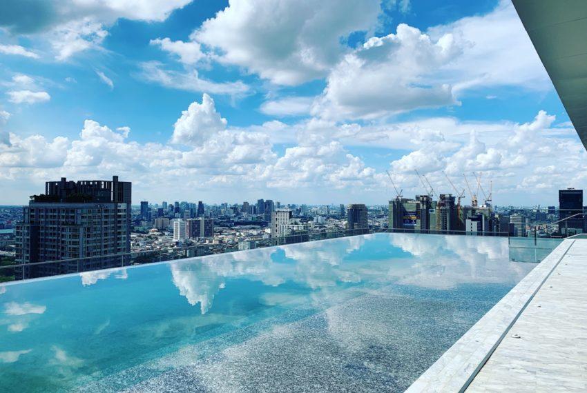 The Esse at Singha Complex Condominium - swimming pool