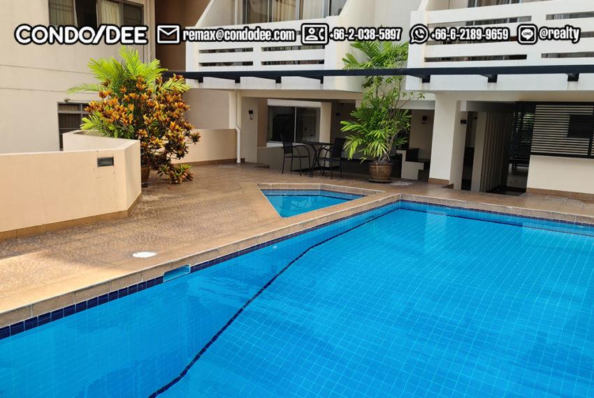 The Heritage condominium Sukhumvit 8 playground