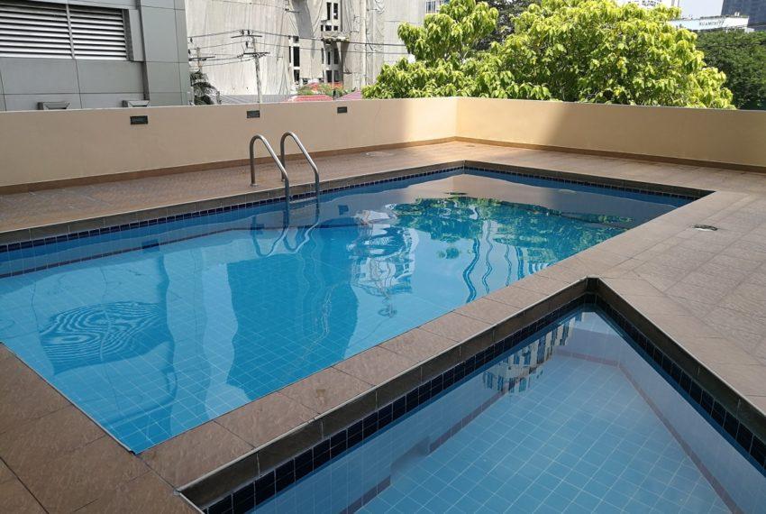 The Heritage condominium Sukhumvit 8 - swimmingpool