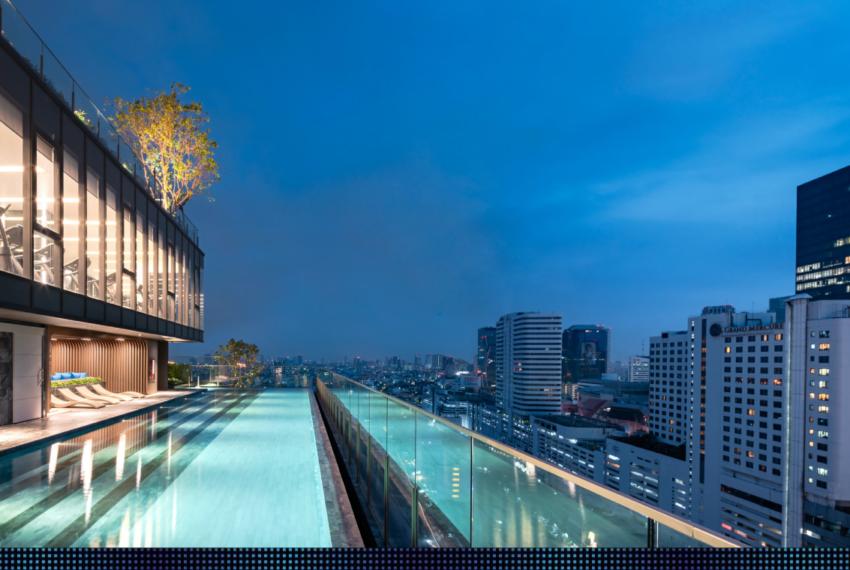 The Line Asoke Ratchada-rooftop-swimming-pool
