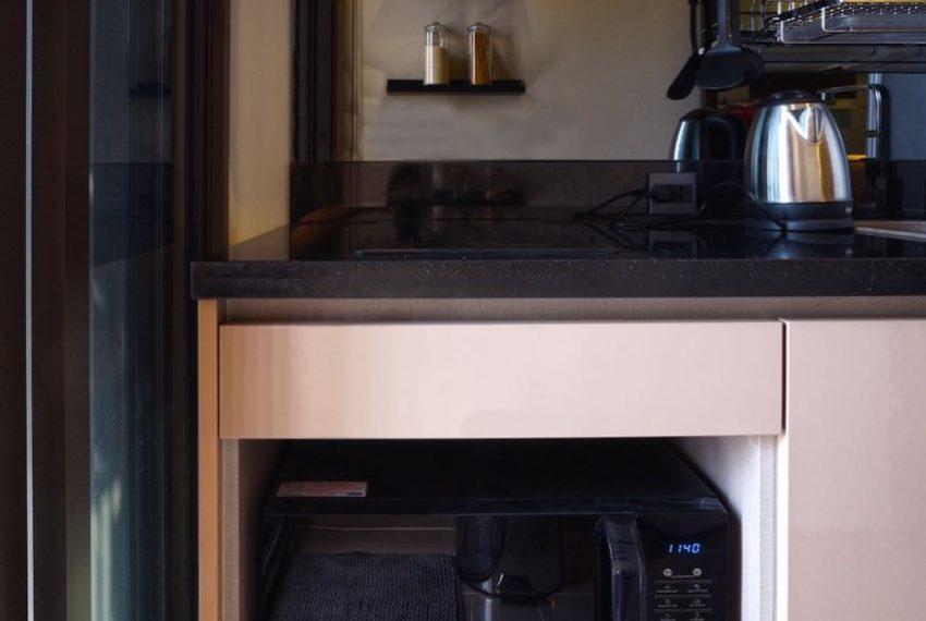 The Line Sukhumvit 71 1-bedroom - rent - kitchen