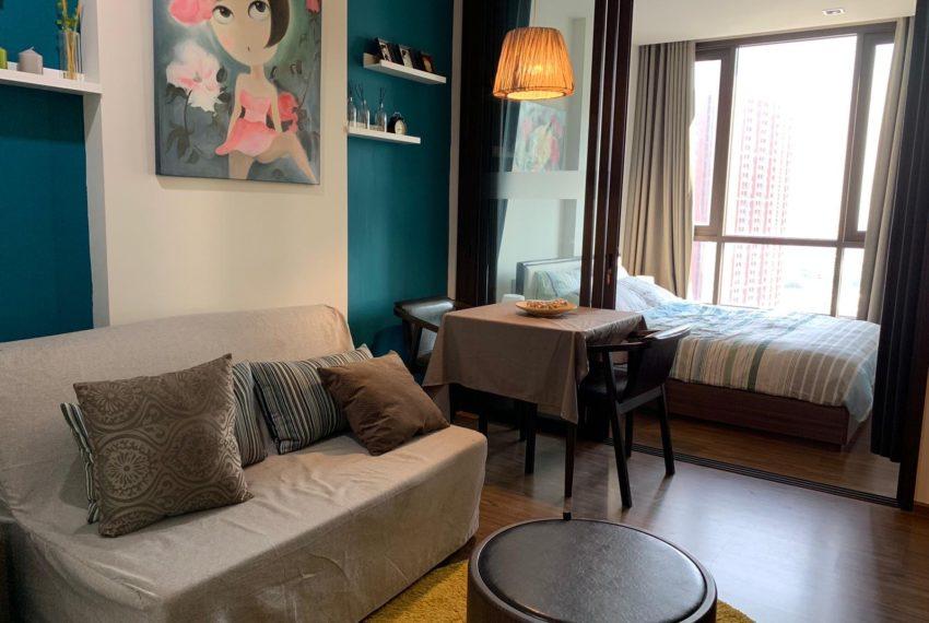 The Line Sukhumvit 71 1-bedroom - rent - living room