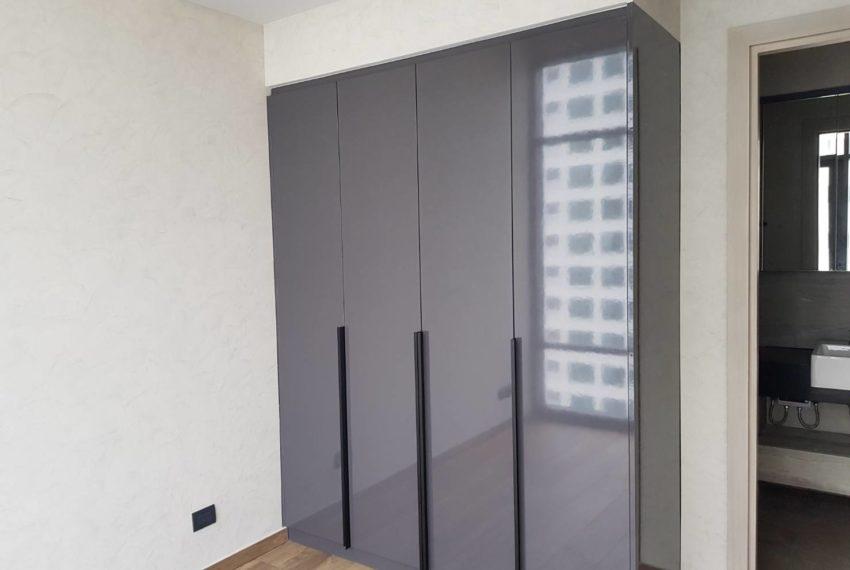 The Lofts Asoke 1b1b High Floor Sale COntract - builtin wardrope