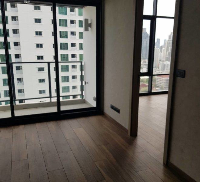 New condo for sale in Asoke near University - high floor - cheapest price for The Lofts Asoke