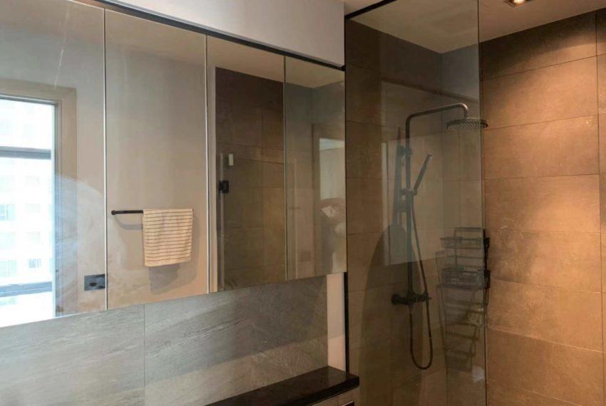 The Lofts Asoke -1b1b -Rent - High Floor - bath