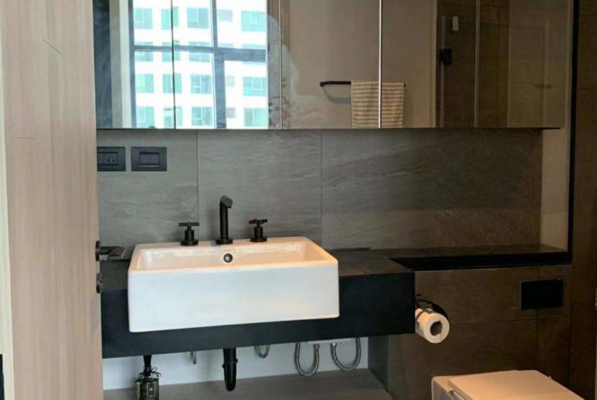 The Lofts Asoke -1b1b -Rent - High Floor - bathroom