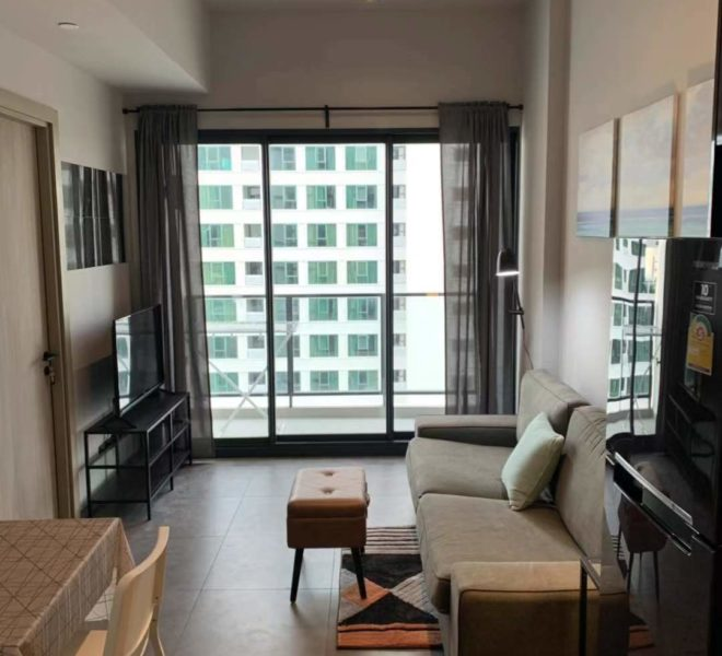 Affordable Rent in The Lofts Asoke 1-bedroom High Floor Condo in Asoke Rent Condo in Asoke Condo near MRT Phetchaburi Condo near Airport Link