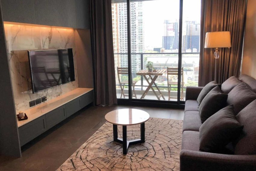 The Lofts Asoke - 1b1b - rent from Angela - balcony