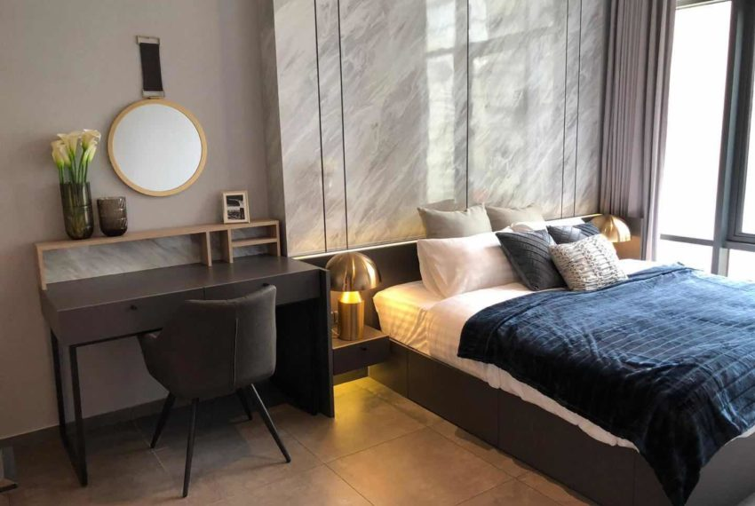 The Lofts Asoke - 1b1b - rent from Angela - bed