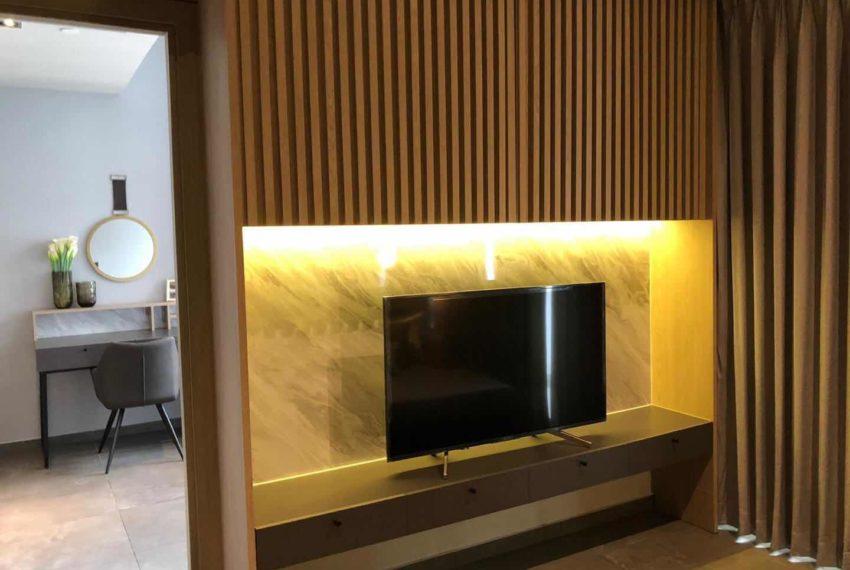The Lofts Asoke - 1b1b - rent from Angela - flat TV