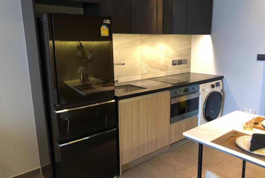 The Lofts Asoke - 1b1b - rent from Angela - kitchen