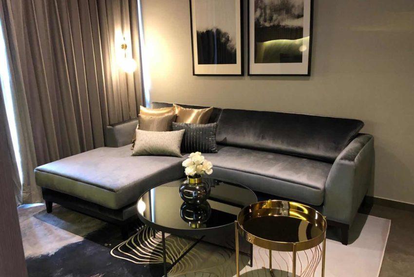 The Lofts Asoke - 1b1b - rent from Angela - living