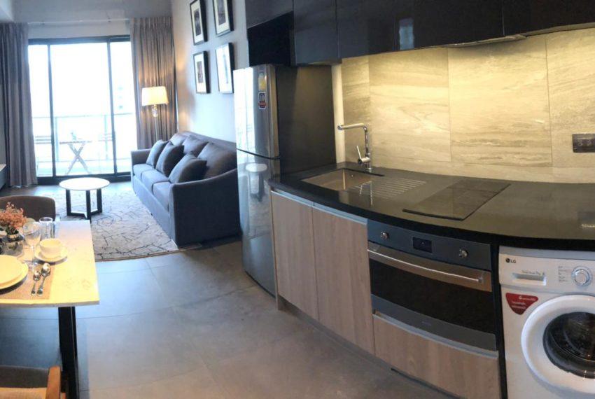The Lofts Asoke - 1b1b - rent from Angela - living area