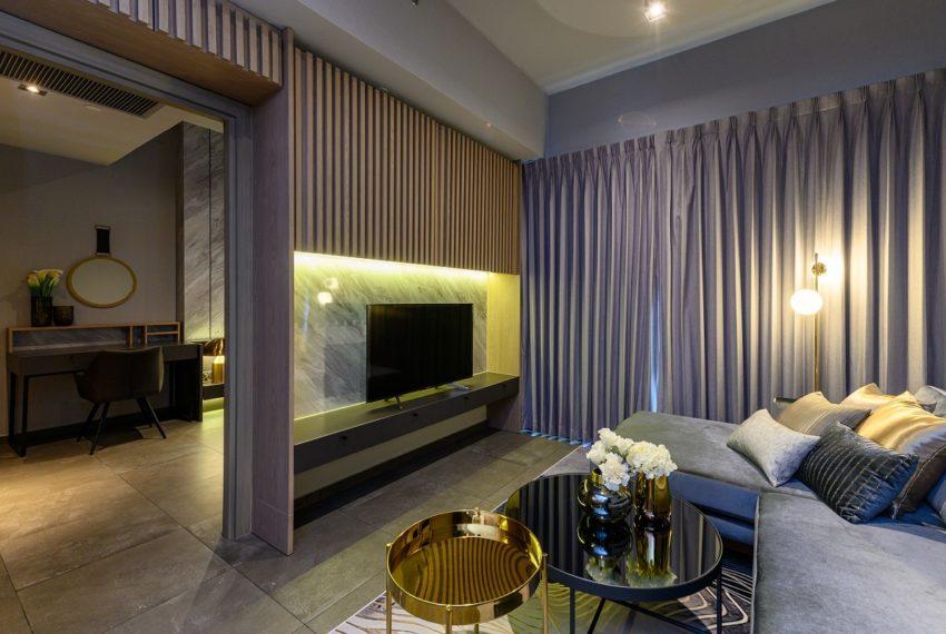 The Lofts Asoke - RENT - lusury 1b1b-living-bedroom