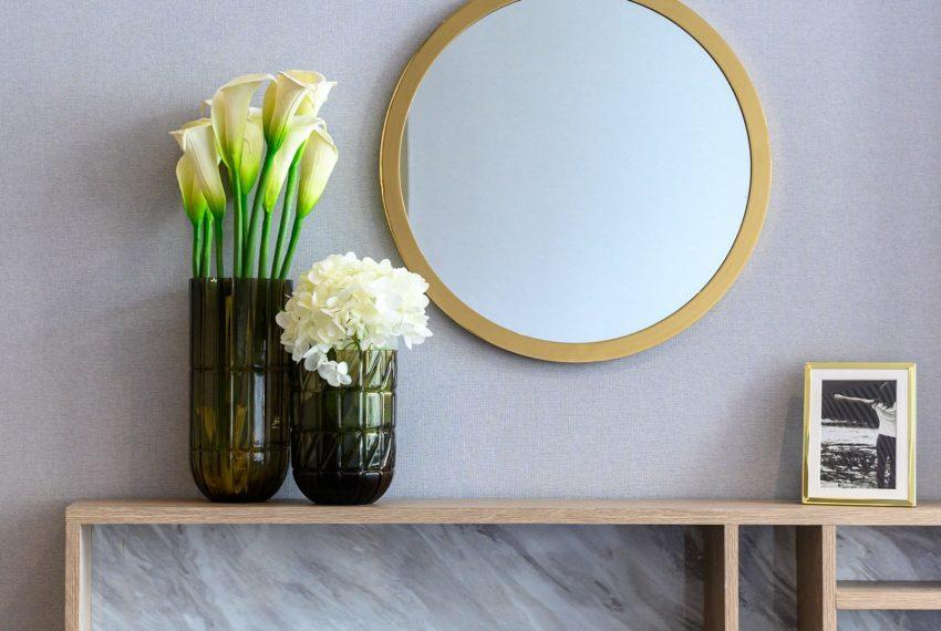 The Lofts Asoke - RENT - lusury 1b1b-makeup table