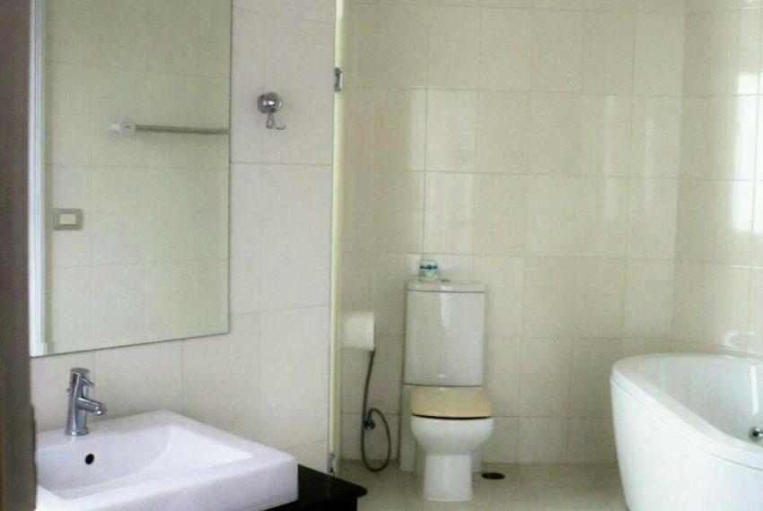 The Master Centrium Asoke-Sukhumvit-bathroom1