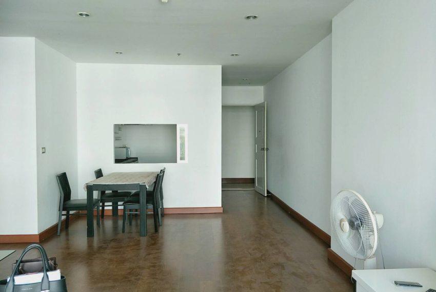 The Master Centrium Asoke-Sukhumvit-dinningroom