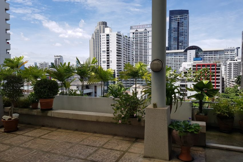 The Master Centrium Condominium at Asoke - city view