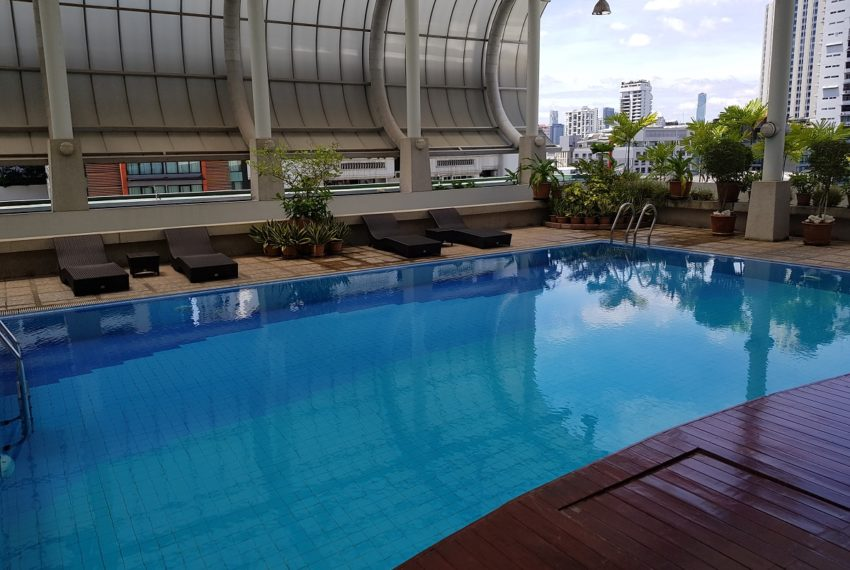 The Master Centrium Condominium at Asoke - swimming pool