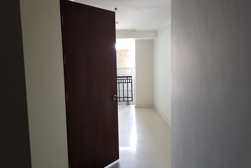 The Oleander Sukhumvit 11 3-beds furnished sale - big maid area