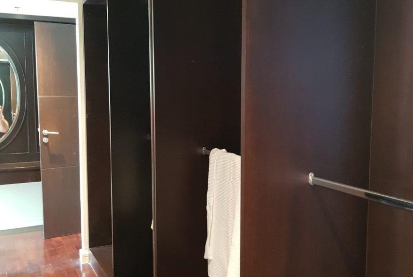 The Oleander Sukhumvit 11 3-beds furnished sale - builtin closets