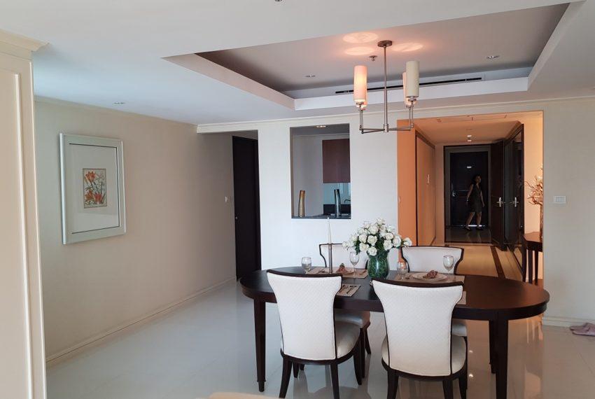 The Oleander Sukhumvit 11 3-beds furnished sale - dinning